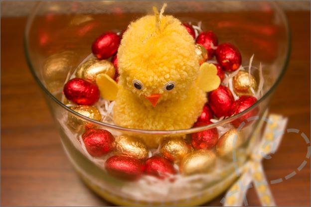 kuiken pot met eieren