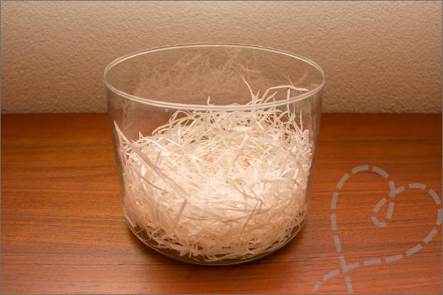 pot met nest kuiken