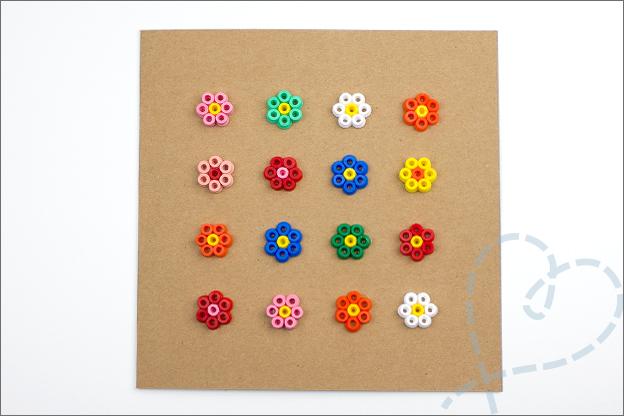 kaart strijkkralen patroon bloemetjes