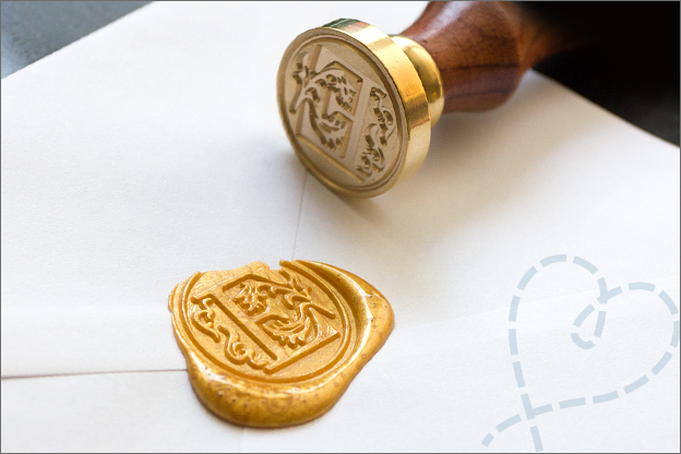 Letter E wax stempel Goud