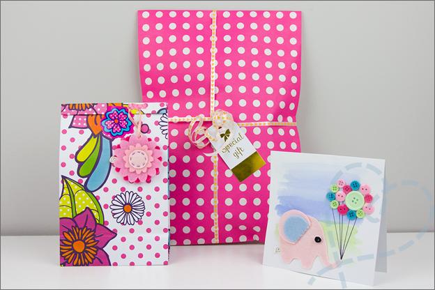 inpakken kraamvisite cadeau meisje baby tips ideeen