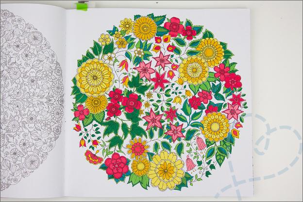 kleuren voor volwassen boom bloemen