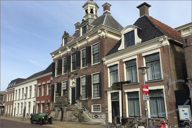vakantie friesland Sneek stadhuis