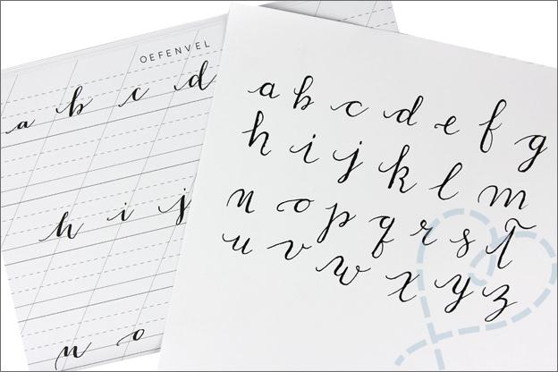 MUS kalligrafie set oefenen