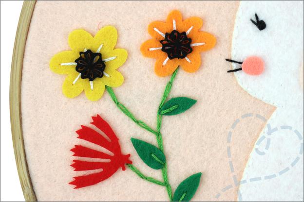 Action decotime pasen bloemetjes konijn vilt borduurring