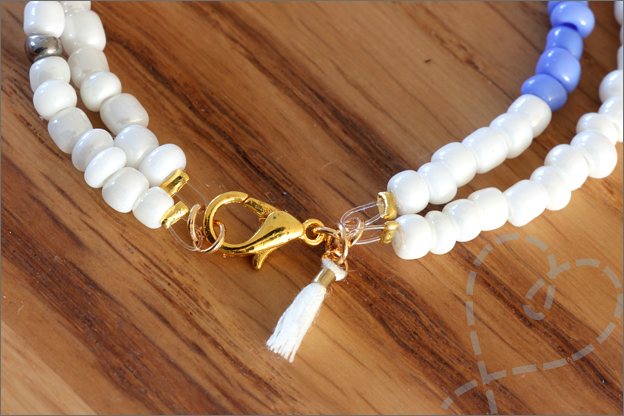 Sieraden maken zomerse armbanden slotjes sluiting kwastje