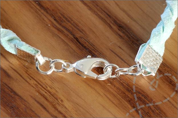 Sieraden maken zomerse armbanden sluiting vlechten