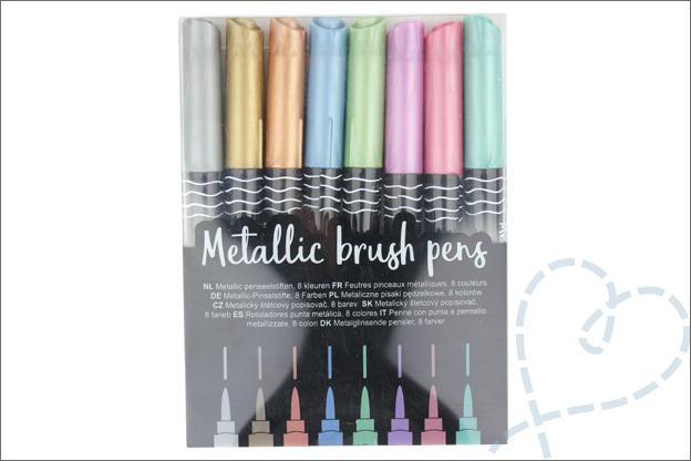 Kaarten handlettering metallic brush pens action