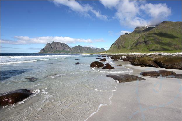 Vakantie verslag Noorwegen lofoten Uttakleiv beach