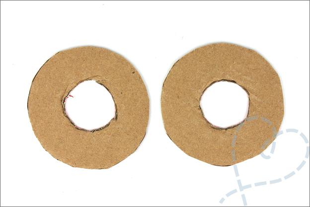 DIY pompons maken karton makkelijk uitleg