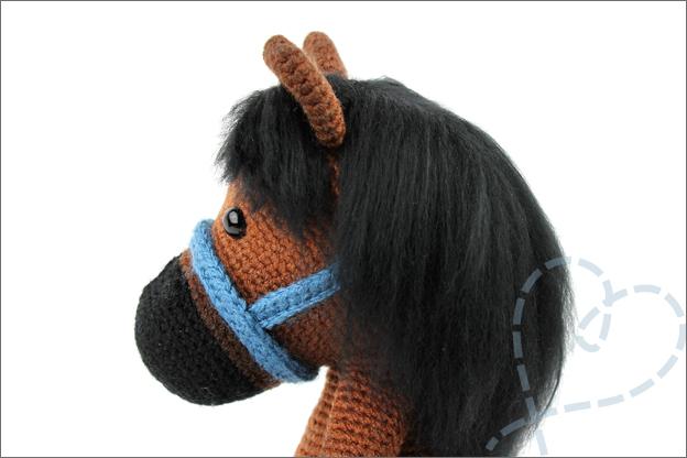 Haken paardje piem manen staart kammen