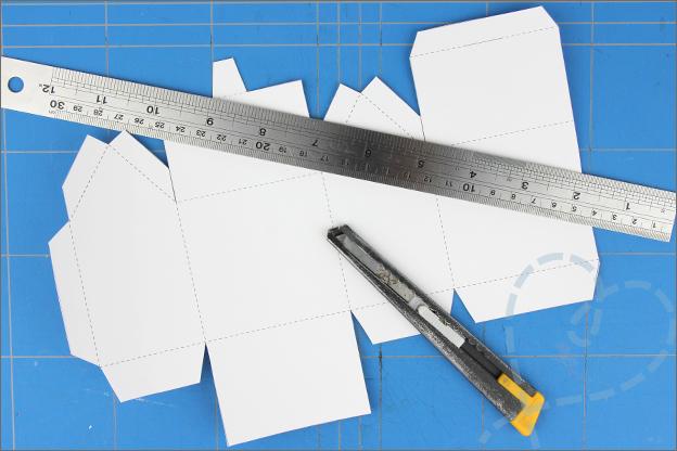 DIY cadeaudoosje snijden die cut