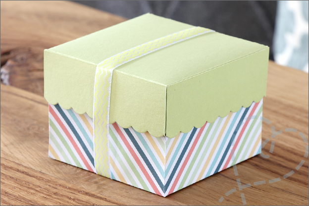 DIY Knutselen cadeaudoosje vierkant snijmal