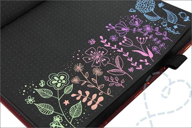 black journal tekenen bloemen uitleg