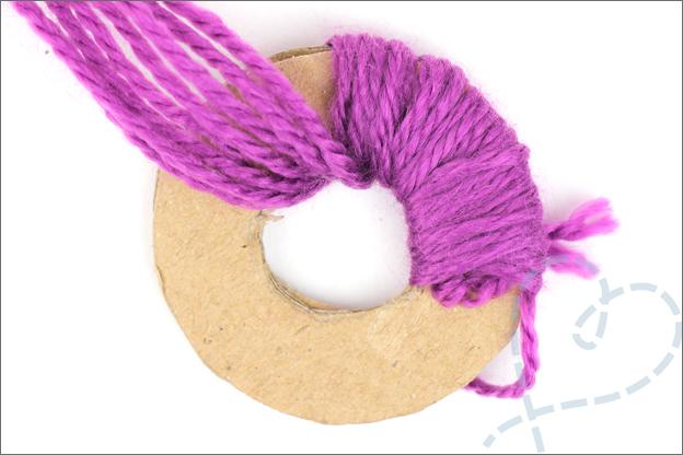 DIY slinger ijsjes uitleg pompon maken