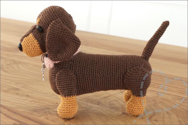 Haken teckeltje Lin hondjes van sokkenwol