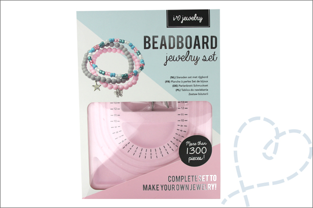 Review action beadboard jewelry set